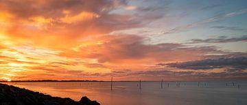 Fischernetze bei Sonnenuntergang an der Nordsee von Marjolein van Middelkoop