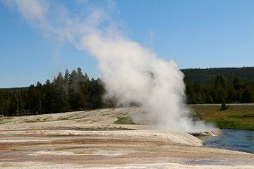 La vapeur et l'eau d'un geyser sur Christiane Schulze