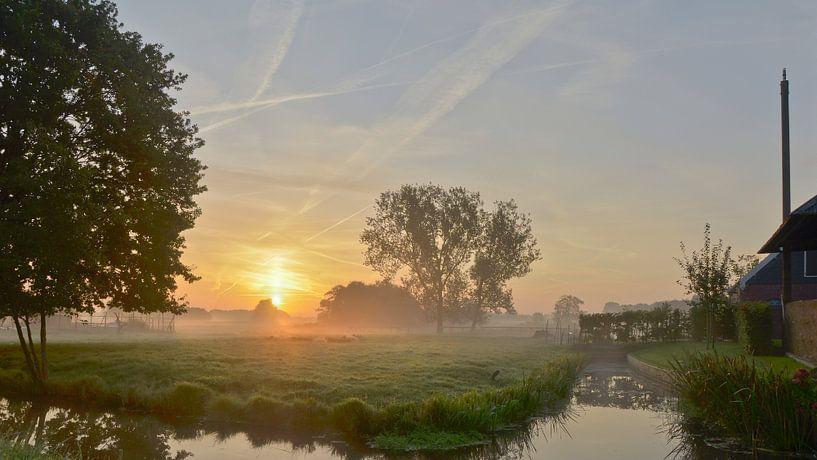 Kortenhoef tijdens zonsopkomst van Pierre Timmermans