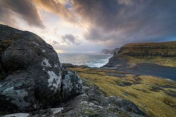 Färöer Inseln dramatischer Sonnenuntergang von Stefan Schäfer