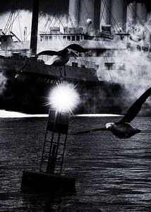 Retro – Klassiek Titanic de afvaart begeleid door meeuwen