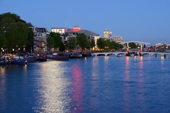 Amstel in Amsterdam met Magere Brug van Merijn van der Vliet