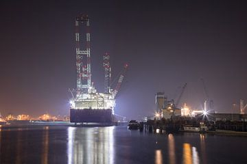 Seajacks Scylla, Waalhaven Rotterdam van Patrick Boertje