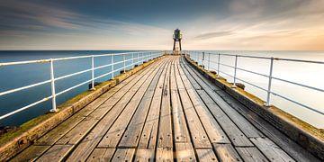 Pier bei Sonnenaufgang von Irma Meijerman