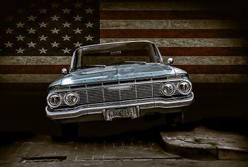 Chevrolet vor US-Flagge von marco de Jonge