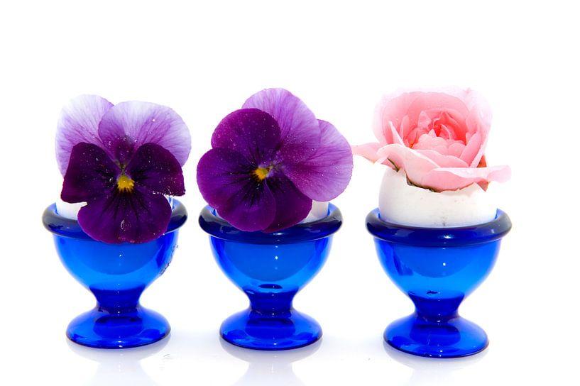 Eierdopjes met bloemen van Ivonne Wierink