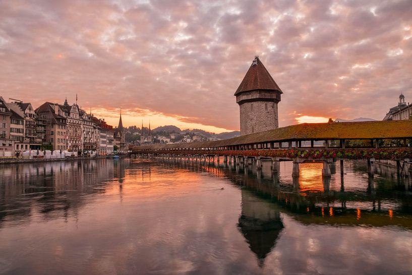 Kapelbrug in Luzern van Romy Oomen