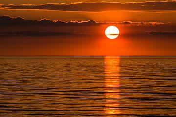 A sunset on the Baltic Sea coast van