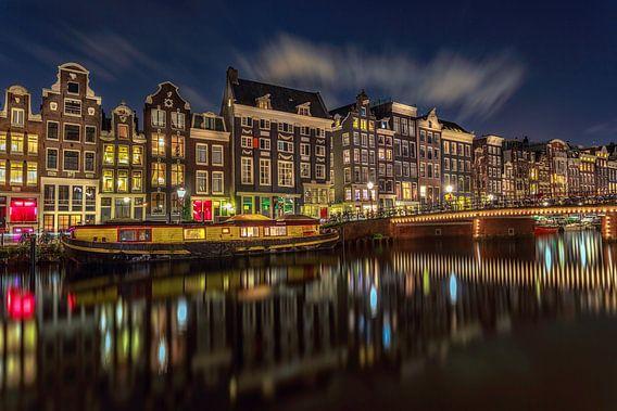 Singel Amsterdam @ night van Michael van der Burg