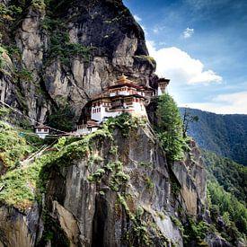 Paro Tatsang / Tiger's nest klooster van Paul Piebinga