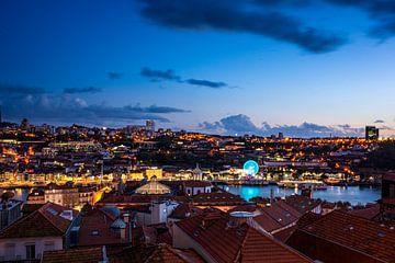 Skyline von Porto bei Sonnenuntergang von Evelien Oerlemans