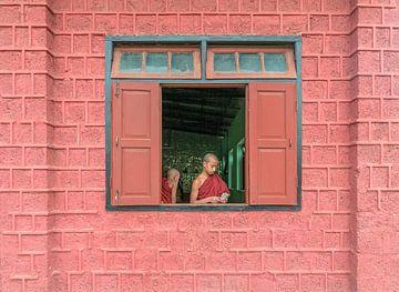 Myanmar: Monnik (Nyaungshwe Township) van Maarten Verhees