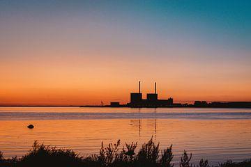 Sonnenuntergang in einer Fabrik von Robin van Steen