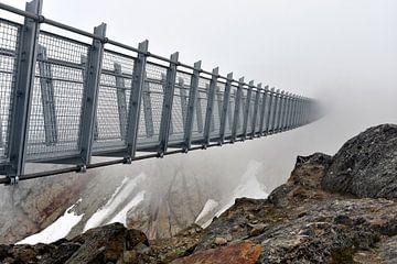 Mysteriöse Brücke in den Wolken oder Nebel - Kanadische Berge sur Jutta Klassen