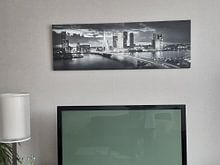 Klantfoto: Skyline Rotterdam Erasmusbrug - Zwart Wit van Vincent Fennis, op canvas