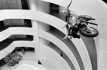 New York - Motorrad mit Longhorn-Lenkrad von Raoul Suermondt