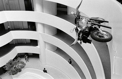 New York - Motorfiets met Longhorn stuur van Raoul Suermondt
