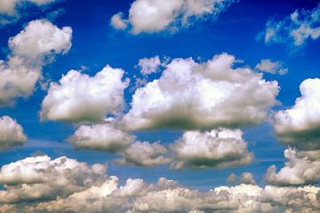 Holländischer Wolkenhimmel über Groningen von Evert Jan Luchies