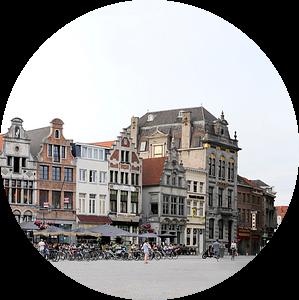 Grote Markt, Mechelen in België van Cora Unk