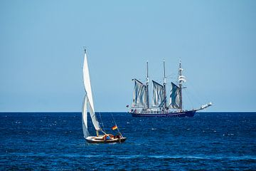 Segelschiffe auf der Ostsee vor Warnemünde von Rico Ködder