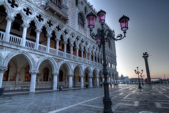 Piazza San Marco van Rene Ladenius