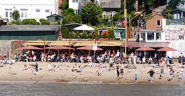 bij de rivier de Elbe van Peter Norden