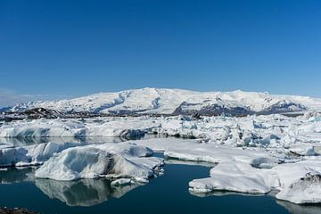Jökulsárlón galcier lagoon, IJsland van Wigger Tims