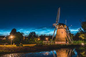 ''Zemelmolen'' moulin avec nuage noctulescent, Lisse Netherlands (landscape) sur Dave Adriaanse