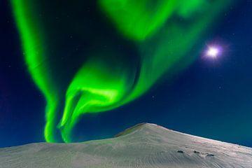 Mond trifft Nordlicht