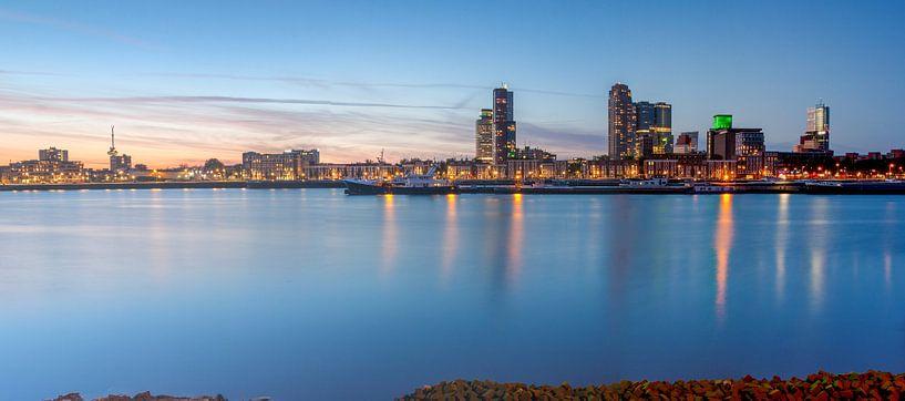 Maashaven Rotterdam panorama sur Ilya Korzelius