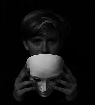Maske der Erscheinungen von Everydayapicture_byGerard  Texel