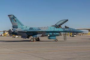 NSAWC Agressor Squad op Naval Air Station Fallon vliegt met de F-16 A/B Fighting Falcon in een aanta