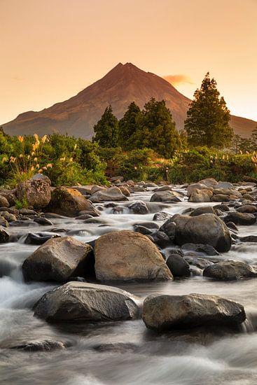 Mount Taranaki bei Sonnenuntergang, Neuseeland