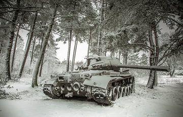 Tank in the snow #4 sur Olivier Van Cauwelaert