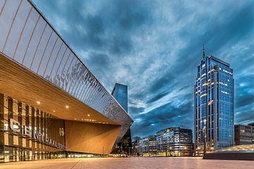 Rotterdam Centraal Station in de avond