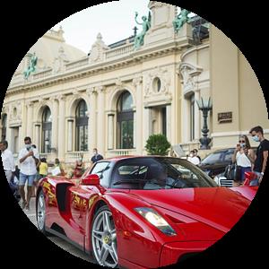 Ferrari Enzo Ferrari op het Casinoplein in Monaco van joost prins