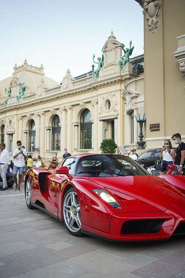 Ferrari Enzo Ferrari op het Casinoplein in Monaco