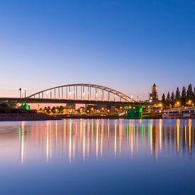 De skyline van Arnhem met de John Frostbrug van Arjan Almekinders