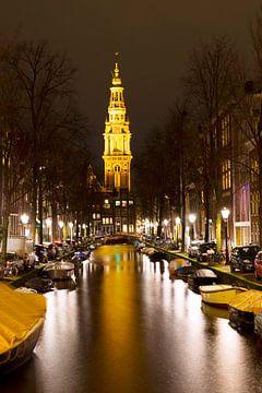 Amsterdamse Zuiderkerk in de avond van