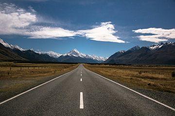 Weg naar Mount Cook, Nieuw-Zeeland van Tom in 't Veld
