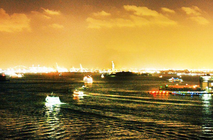 Hudson River (NyC) by Night van bob brunschot