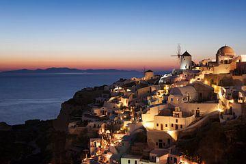 Oia na zonsondergang, Santorini, Griekenland van Markus Lange