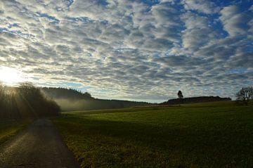 Landschaft mit Horizont und Wolken von Susanne Seidel