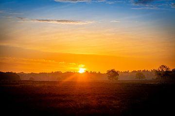 Kleurenspektakel, zonsopkomst van Wendy van Kuler