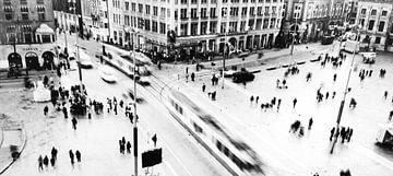 De Dam in Amsterdam  zwart-wit fotografie van Lucas Harmsen