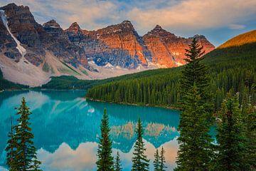 Sonnenaufgang Moraine Lake, Kanada