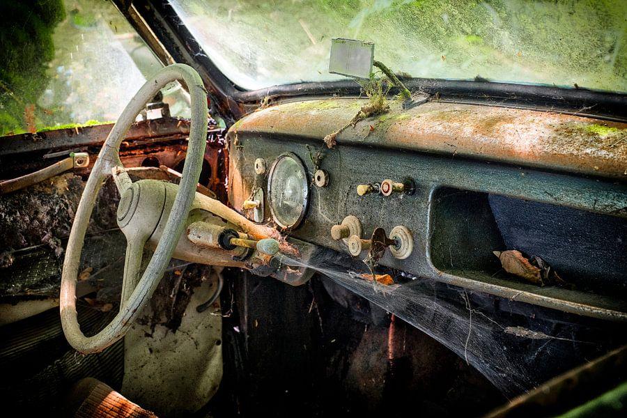 Lost Car in the Woods of Germany 2 van Vincent den Hertog