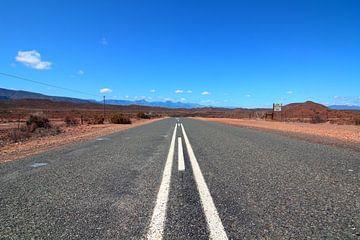 Endlose Straßen auf der R62 in Südafrika. von Capture the Moment 010