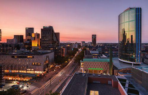 Sunset over Rotterdam van Ilya Korzelius