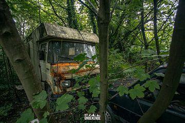 Oude Mercedes camper. van Het Onbekende